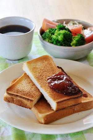 美味しいイチゴジャム、トースト朝食に合う、静岡産あきひめ
